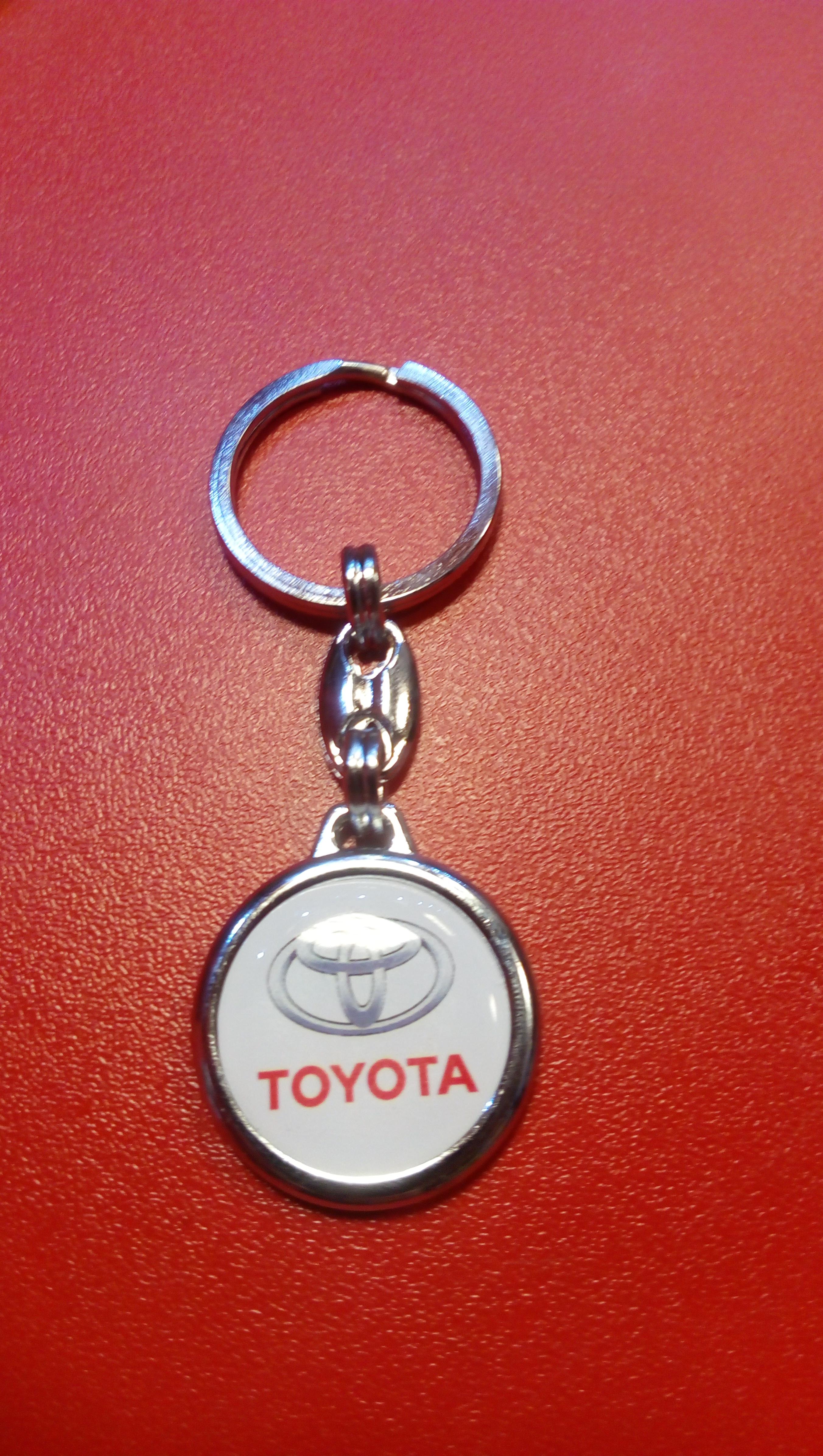 Kľúčenka TOYOTA - SGL CARS - Internetový predaj autodielov f9f721b9d12